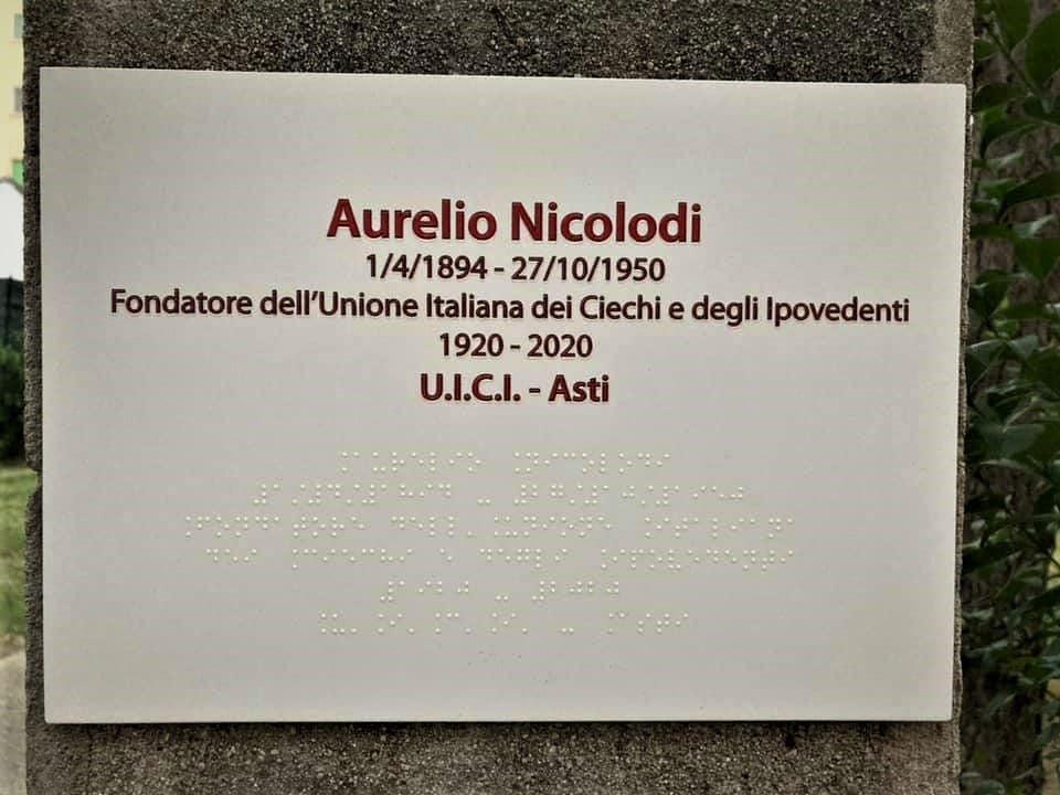 Targa commemorativa Aurelio Nicolodi. fondatore nel 1920 dell'Unione Italiana Ciechi